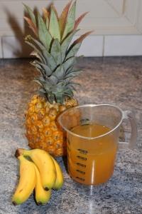Ananas Victoria, bananes fréssinettes, jus d'agrumes