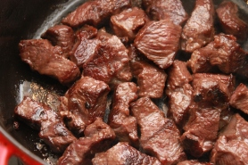 Colorez les morceaux de Joues de bœuf.