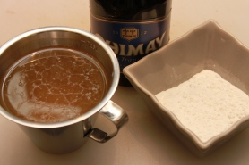 Liquide de mouillement, bière, consommé de bœuf, farine.