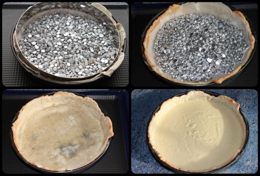 Foncez la pâte dans le moule, mettre un papier sulfurisé, et les noyaux, cuire au four 12 mn.