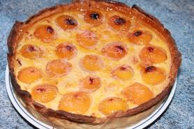 Flan pâtissier ou flan parisien aux abricots.